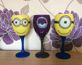 Set of 3 minion inspired glitter wine glasses