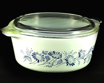 1980s Vintage Pyrex 472-B White Colonial Mist Glass 750mL Casserole Dish with Lid
