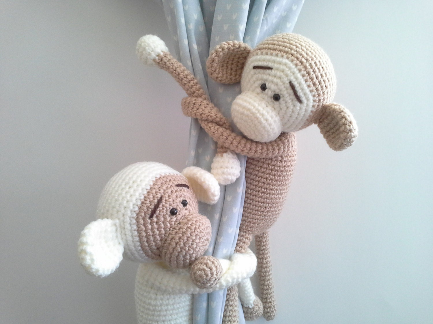 singe embrasses de rideaux crochet monkey amigurumi custom. Black Bedroom Furniture Sets. Home Design Ideas