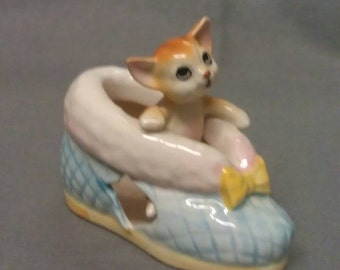 Cat in Bootee Shoe Holder