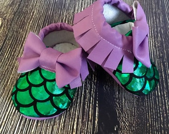 Baby girl mermaid shoes, baby girl moccs, baby girl moccasins, crib shoes, newborn girl shoes, mermaid birthday outfit, mermaid party