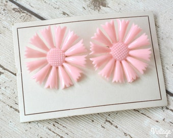 Vintage Deadstock Unused 1950s Pink Flower Plastic Clip-on Earrings on Original Card