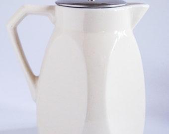 Hot Chocolate Or Tea Pot Polygonal Bauhaus Design Strainer Muzzle