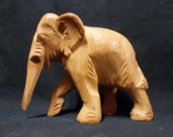 Handcarved vintage African elephant decoration made of woodcarvings (wood).