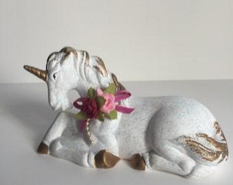 80's Unicorn figurine, unicorn collection, white and gold Unicorn Figurine, Vintage Unicorn