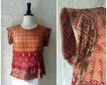 Vintage Red and Gold Metallic Embroidered Indian Ethnic Boho Short Sleeve Top Blouse - Sz. Medium