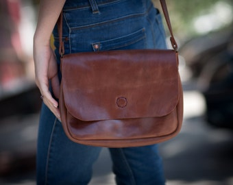Womans handbag crossbody bag leather shoulder bag leather gift for her brown leather bag handmade leather bag vintage style bag small bag