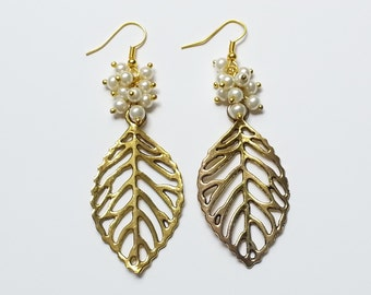 Leaf Pearl Earrings AR252