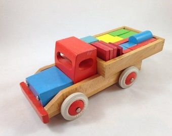 Vintage wooden truck with building blocks - Simba-Toys - Wooden toy truck - Colorful wood building blocks - Truck with colored blocks
