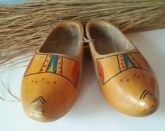 Vintage Dutch wooden shoes! Home decor folklore