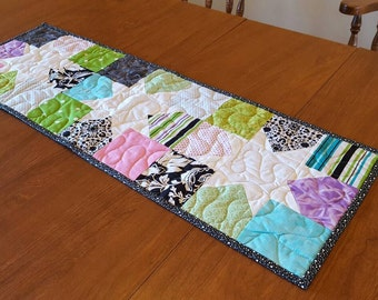 Scrappy Stars Table Runner