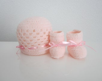 All hat and booties for girl, gift birth, bonnet and chussons baby, baby girl hat and shoes, newborn hat and shoes