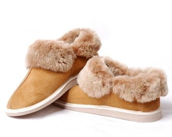 Women's Sheepskin Slippers, High quality handmade fur slippers.