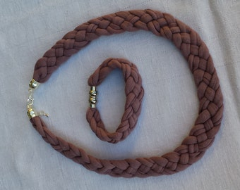 Set necklace & bracelet
