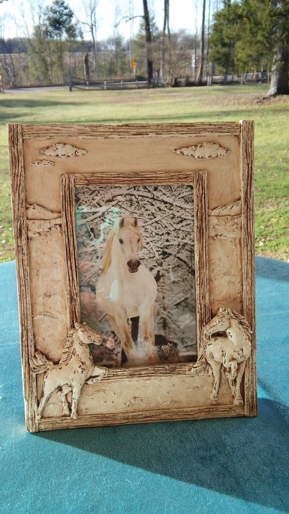 a vintage up cycled 5 x 7 horse picture frame. Black Bedroom Furniture Sets. Home Design Ideas