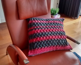 cushion cover red-grey, cable pattern, 20x20 inch