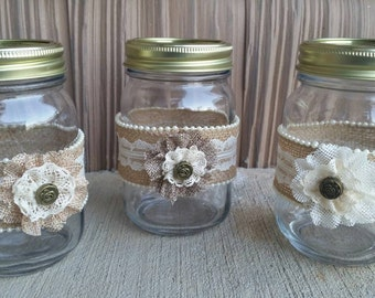 Burlap Mason Jar,Burlap and Lace Mason Jar, Burlap Jar,Rustic Jar,Rustic Centerpiece,Barn Wedding,Rustic Wedding,Country Wedding