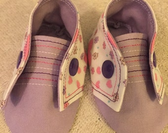 Baby Booties Girls Hearts and Stripes 0-3 Months