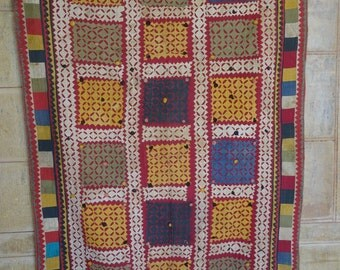 vintage applique and patchwork ralli quilt from sindh tribe 45 x 60