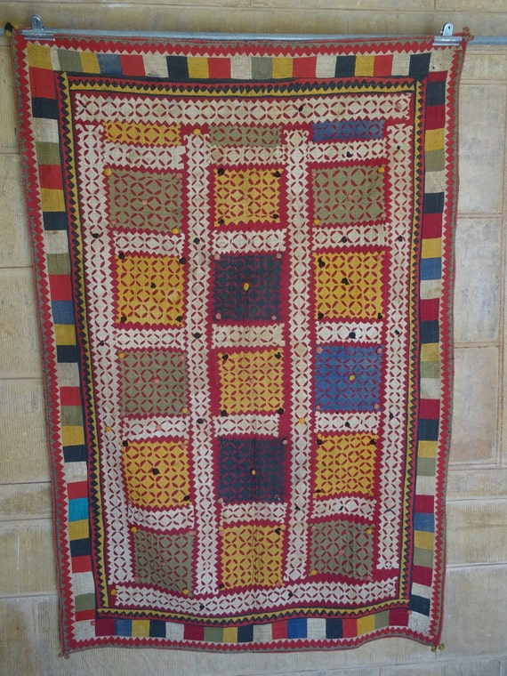 vintage applique and patchwork ralli quilt
