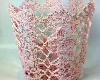 lace pot. crochet lace pot. crochet lace flower pot. party decor. lace pen holder.