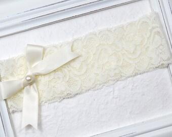 Ivory Wedding Garter, Bridal Garter, Pearl Garter, Wedding Garter, Stretch Ivory Lace Garter, Lace Garter, Garter, Cream Garter, Toss Garter