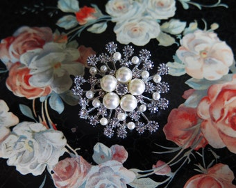 40s reproduction old Hollywood brooch with faux pearls and rhinestones