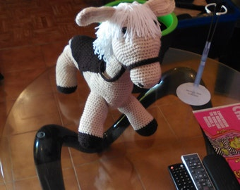 little horse with saddle crochet