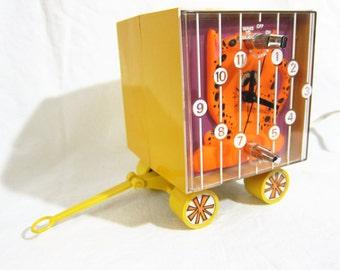 General Electric Leopard Circus Wagon Clock Radio 1970s