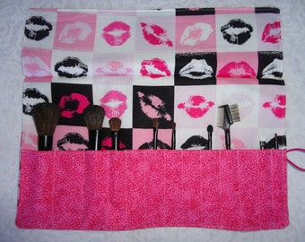 Makeup Brush Roll Holder Organizer - Beautiful Lip Fabric