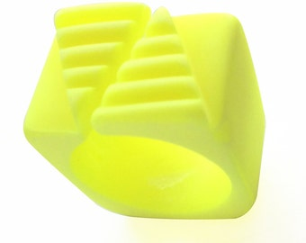 Ring fluorescent yellow resin
