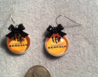 Cincinnati Bengals  cabochon earrings with Black bow
