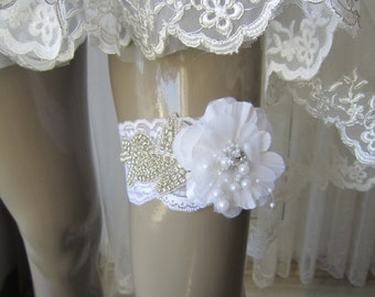 White garter, white flower garter, wedding garter, romantic garter, wedding accessory, garter belt, Toss Garter, Rhinestones