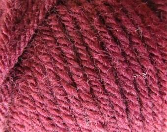7 skeins Vanna's Choice Lion Brand yarn - Color: Burgundy #148
