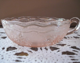 Woolworth Pink Nappy/Candy Dish Stippled Grape Pattern - Item #1335
