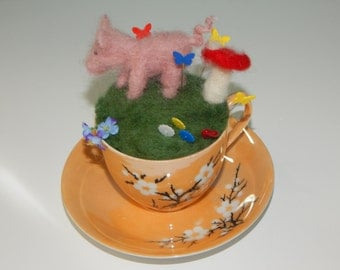 Piggy Pin Cushion
