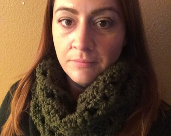 Shell Stitch Cowl