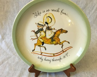 """Vintage Hollie Hobbie Collectors Plate, """"Life Is So Much Fun, Why Hurry Through It"""""""