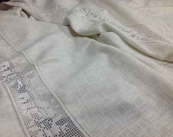 Rectangular table mat