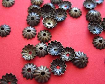 50 Stück bronzefarbene Mini-Perlenkappen