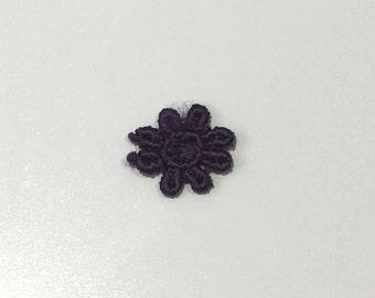 Pack of 50 dark purple lace appliques motifs flowers