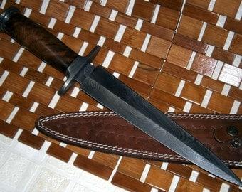 Handmade Damascus Steel Dagger Knife – Walnut Wood Handle