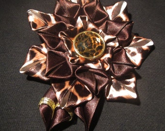Handmade kanzashi flower 2-in-1 brooch-hairclip, tiger flower