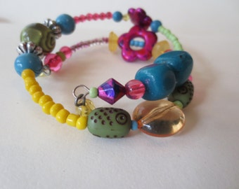 Quirky Bracelet and Earrings sat