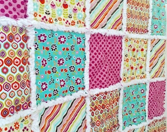 IN STOCK - Modern Rag Baby/Toddler Quilt