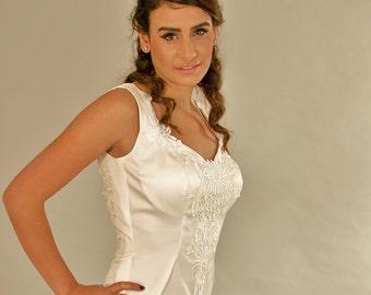 Vintage wedding dress, Backless Wedding Dress, Neckline V, Trail Wedding Dress,  Bridal gowns, Bridal dress.