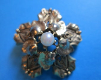 Vintage Floral Gold-Toned Pin with Pearl in the Center