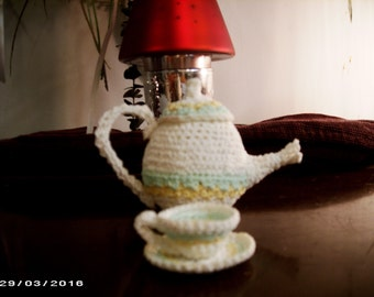 Miniature Teapot,Teacup and Saucer