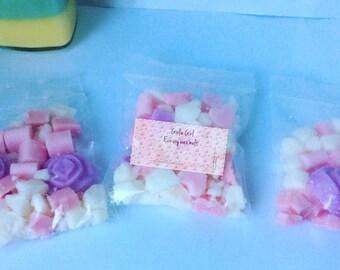 Girlie Girl Eco soy wax tart, natural waX melts for oil burners / oil warmer melts. 30g Custom blend strawberry, sandalwood, marshmallows