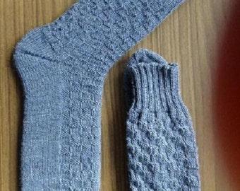 hand-knitted socks Gr. 44-45, (10.5 11.5 US) medium blue